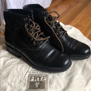 Frye Veronica combat boots 5.5
